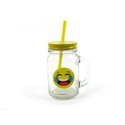 Szklany kufelek ze słomką